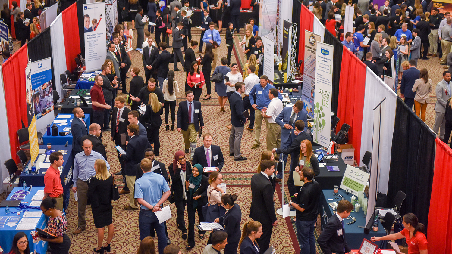 An overhead view of Poole College's Fall 2017 Career and Internship Fair